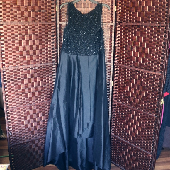 Adrianna Papell Dresses & Skirts - Plus Size Formal Dress